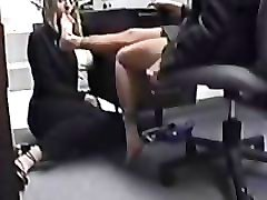 secretary worships mature feet