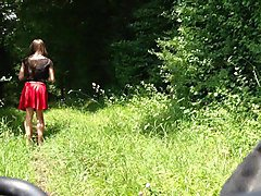 girls upskirt selfie in nature. maedchen unterm rock public