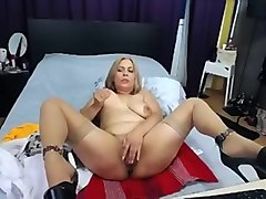 hotblondqueen amateur record on 07/12/15 12:23 from MyFreecams